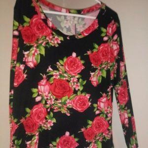 Tops - Rose long sleeve shirt size 3x